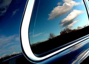 Поэтапная тонировка стекла на автомобиле