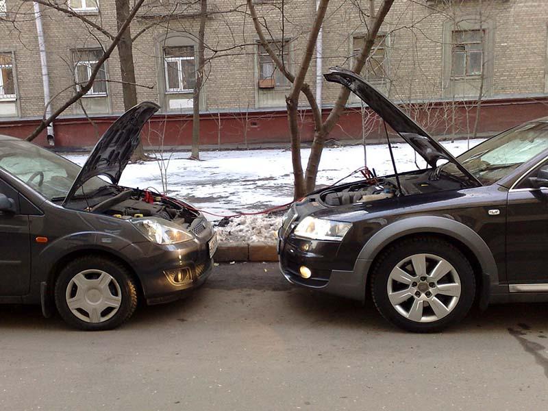 Как прикурить автомобиль от аккумулятора