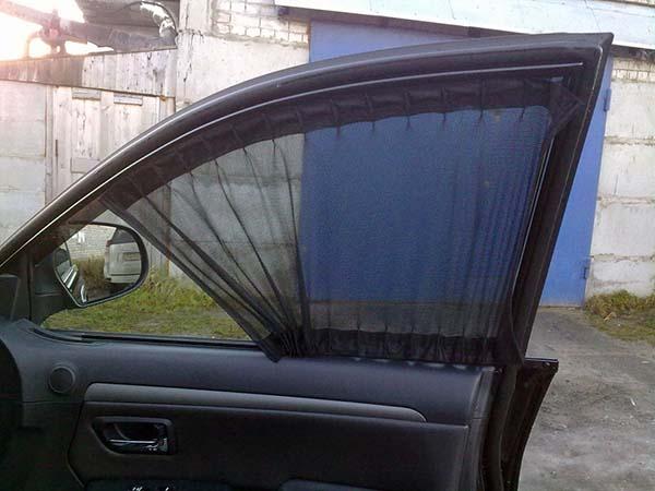 Шторки на боковые стекла автомобиля