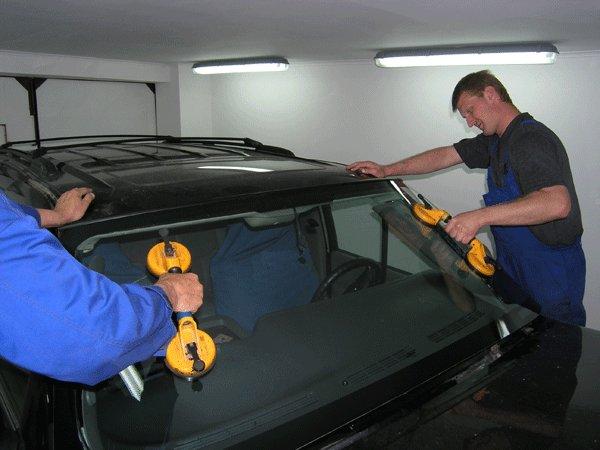 Замена лобового стекла в автосервисе
