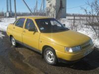 Желтый ВАЗ 2110