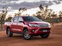 Внешний вид Toyota Hilux, фото в пустине